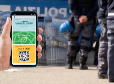 poliziotto green pass